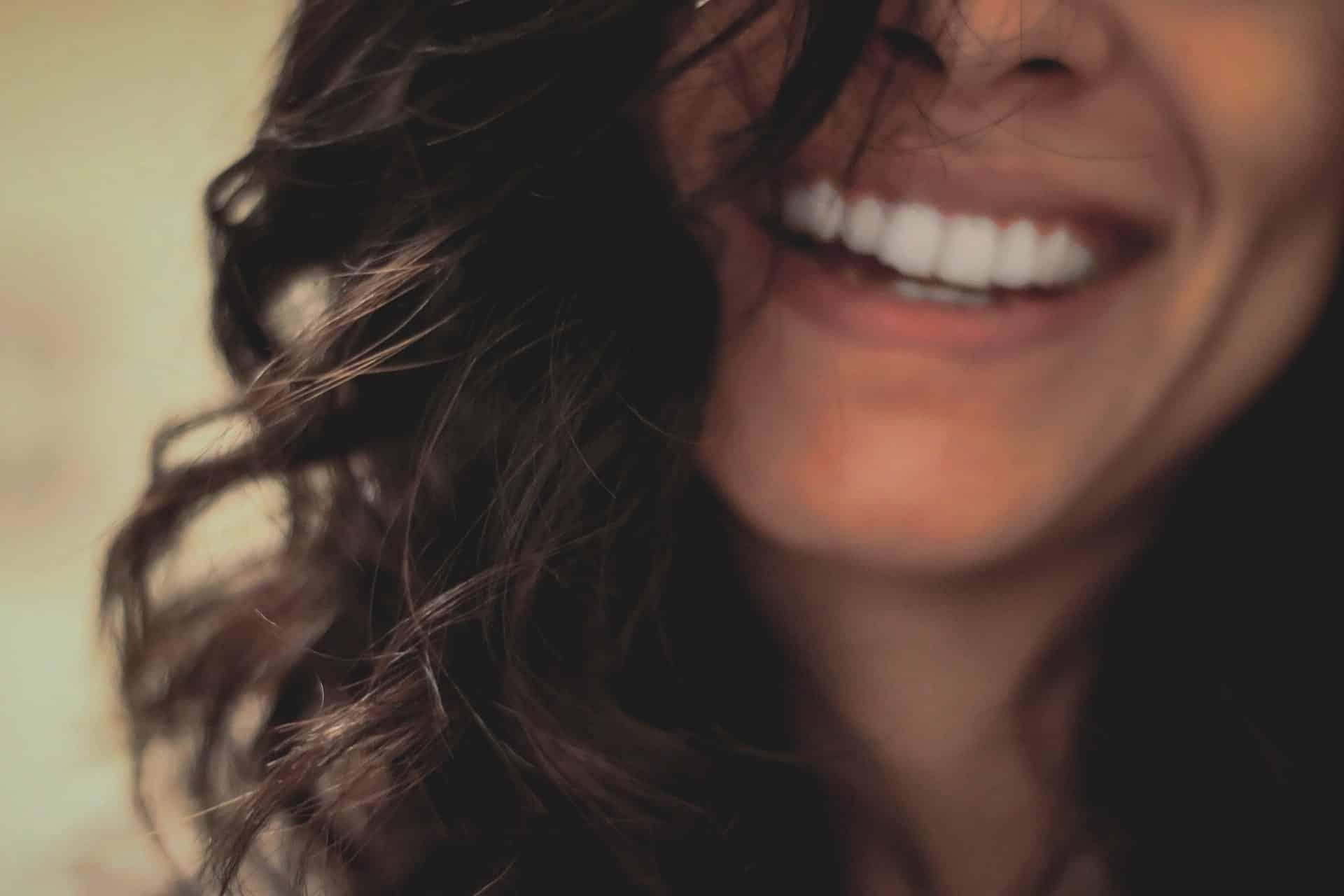 Evitar o detener la descalsificación dental - clínica dental en Madrid