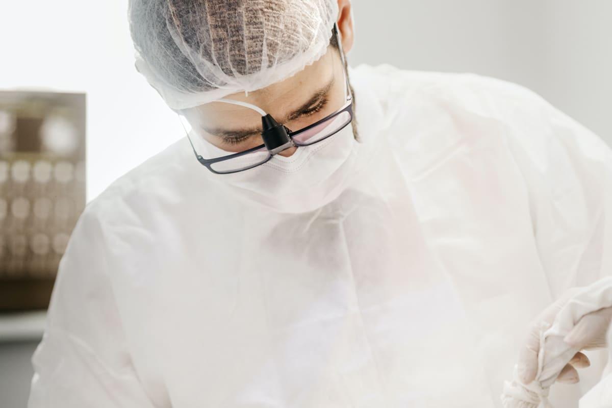Así son: los mejores especialistas en implantes dentales en Madrid
